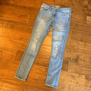 Levi's 711 Mid Rise Destroyed Skinny Jeans, 29 EUC
